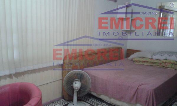 emicei.com.br vende, no bairro feitoria madezzati em são leopoldo.casa de madeira (chalé) de 100m,12m² com 2...