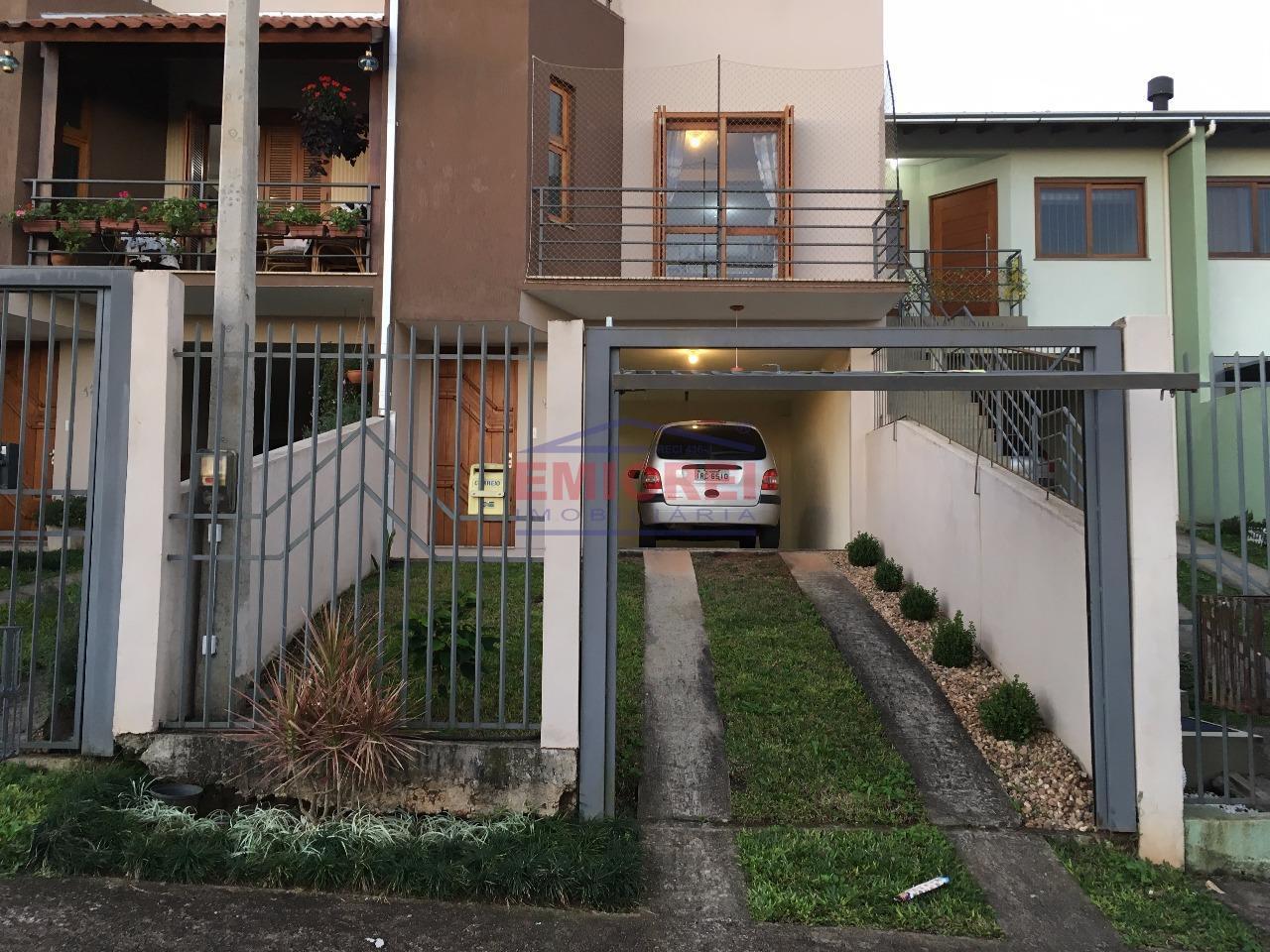 Emicrei vende. Sobrado 2 dormitórios, 2 sacadas, lavabo, vista panorâmica, ótimo acabamento e garagem. Santo André, São Leopoldo