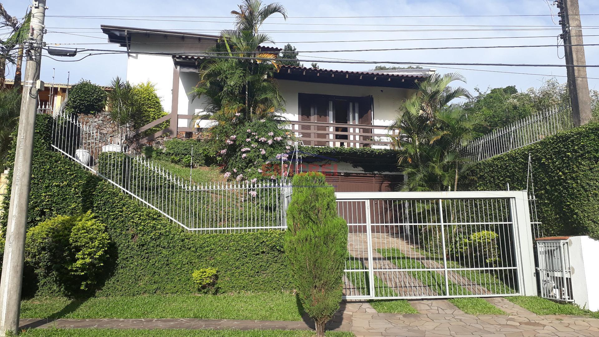 Casa Alvenaria, Pinheiros, São Leopoldo, 2 dormitórios (1 suíte) sacada com vista panorâmica, varanda e pátio gramado