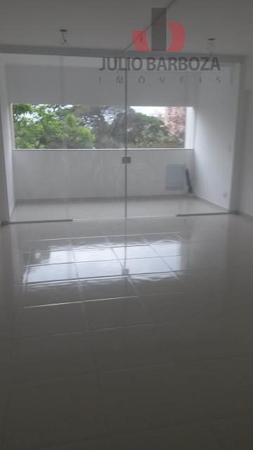 sala comercial com banheiro,recepção.34 m² área útil, piso frio.localização privilegiada próximo a mercado, padaria, açougue, farmácia,...