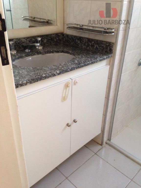 Apartamento residencial à venda, Moema, São Paulo - AP0521.