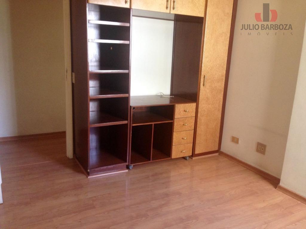 apartamento totalmente reformado, disponível para locação, composto por 3 dormitórios, sendo 1 suíte, sala ampla para...
