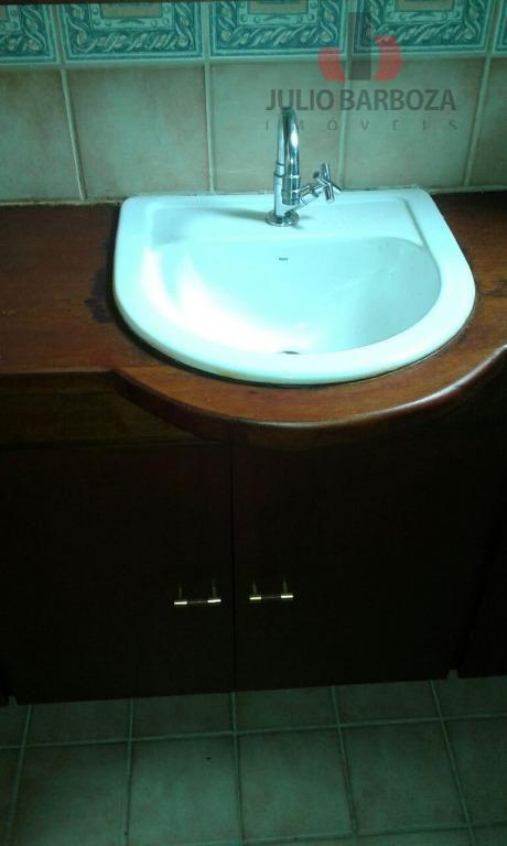 apartamento disponível para venda, composto por 2 dormitórios, sala, sacada, cozinha com armários, área de serviço...