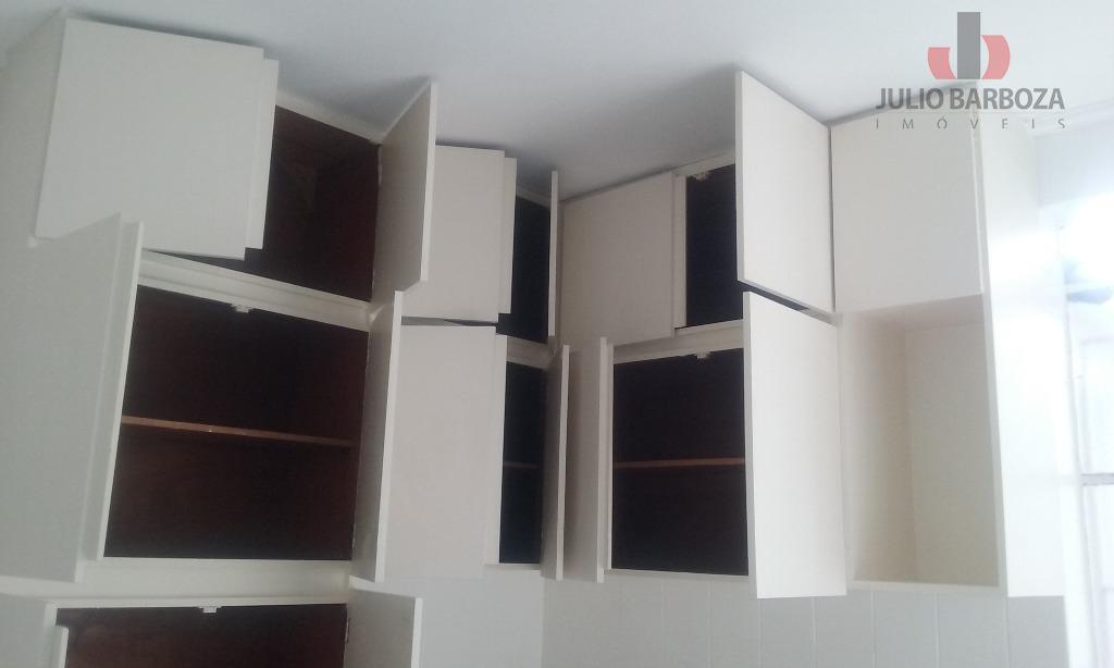 sobrado em ótimo estado, disponível para locação, composto por 3 dormitórios, sala para 2 ambientes, cozinha...