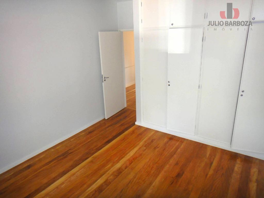 excelente oportunidade! imóvel disponível para venda e/ ou locação, composto 4 dormitórios com armários embutidos, sendo...