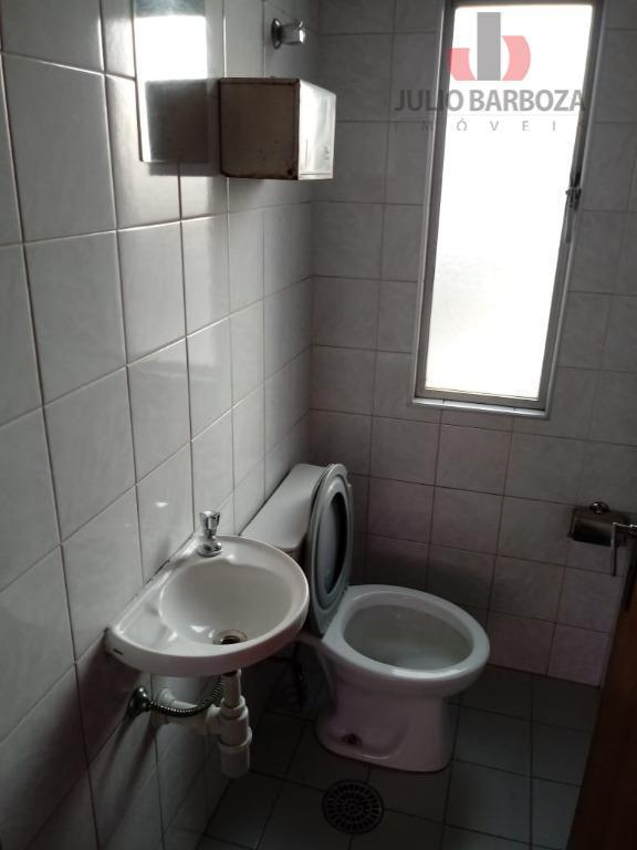 sala comercial disponível para venda e/ ou locação, composta por 3 salas, 2 banheiros, ar condicionado...