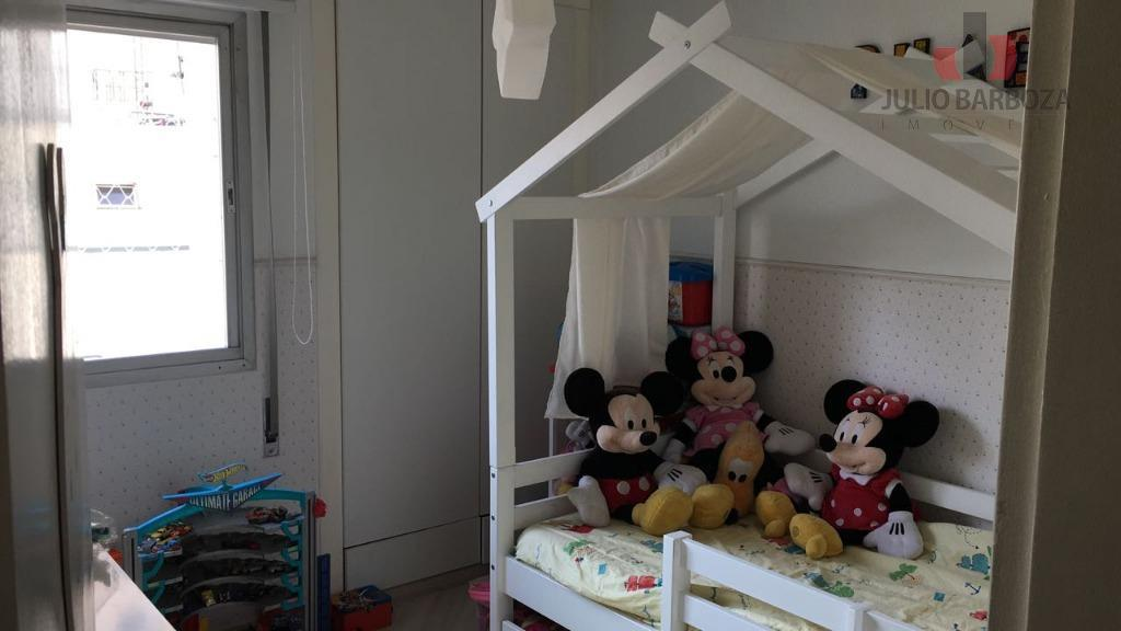 excelente oportunidade! apartamento totalmente reformado, disponível para venda, composto por 2 dormitórios, sala, cozinha com armários,...