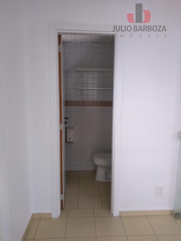 excelente oportunidade! sala comercial disponível para locação. sala ampla e banheiro. localização privilegiada, próximo a restaurantes,...