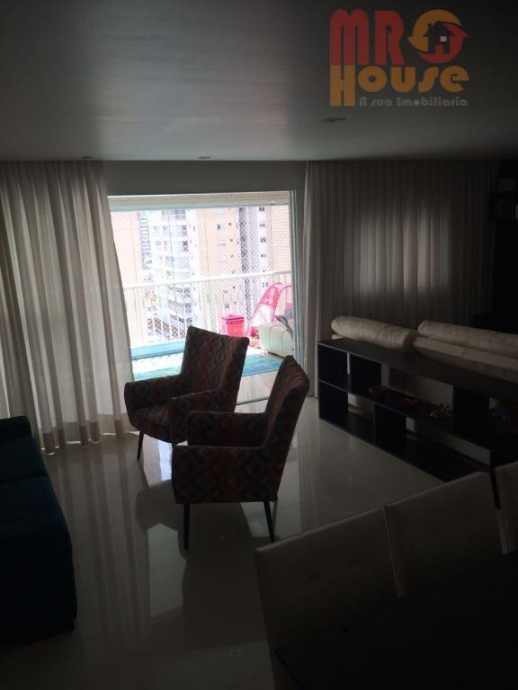 * lindo apartamento * repleto de armários * sacada gourmet fechada em vidro * ótima localização...