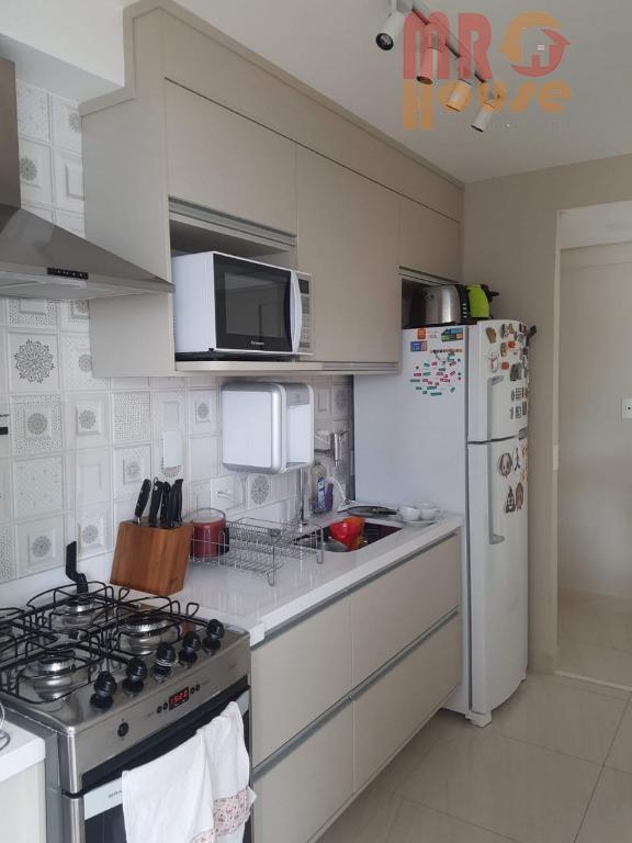 apto de 2 dormitórios sendo 1 suíte, tem mais um lavabo, terraço integrado com a cozinha,...
