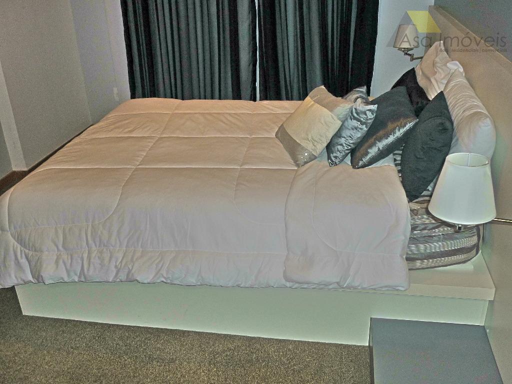 flat 2 ambientes, sala mobiliada cozinha americana com armários frigobar mesa c/ 02 cadeiras sofá 02...