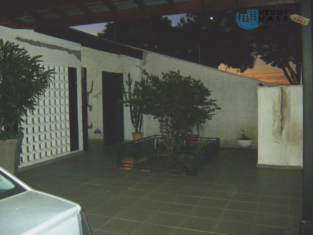 Casa residencial à venda, Jardim Ismênia, São José dos Campos.