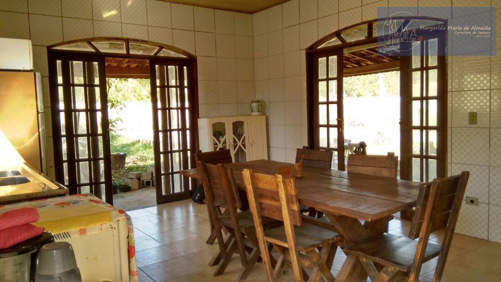 Vende-se casa de campo em Pedro de Toledo, terreno 1000m2, area constuida 282m2, fone, sabesp, sky, perto pesqueiro