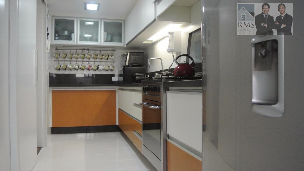 Apartamento Cabral 3 quartos 1 suíte, revertido para 2