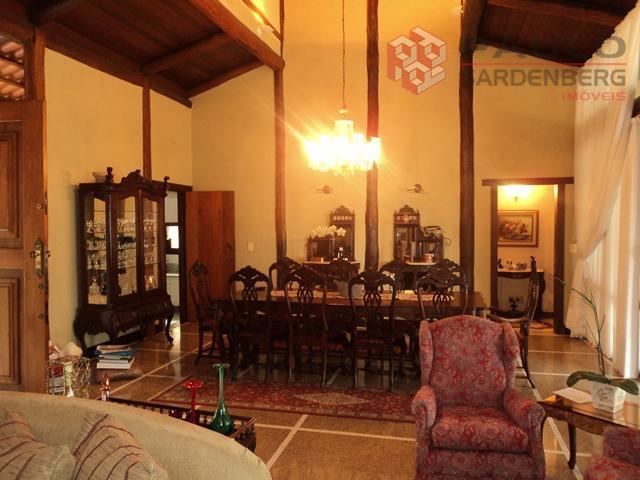 Linda casa em estilo rústico colonial, toda em madeira de lei e vidro à venda, Ilha do Frade, Vitória.