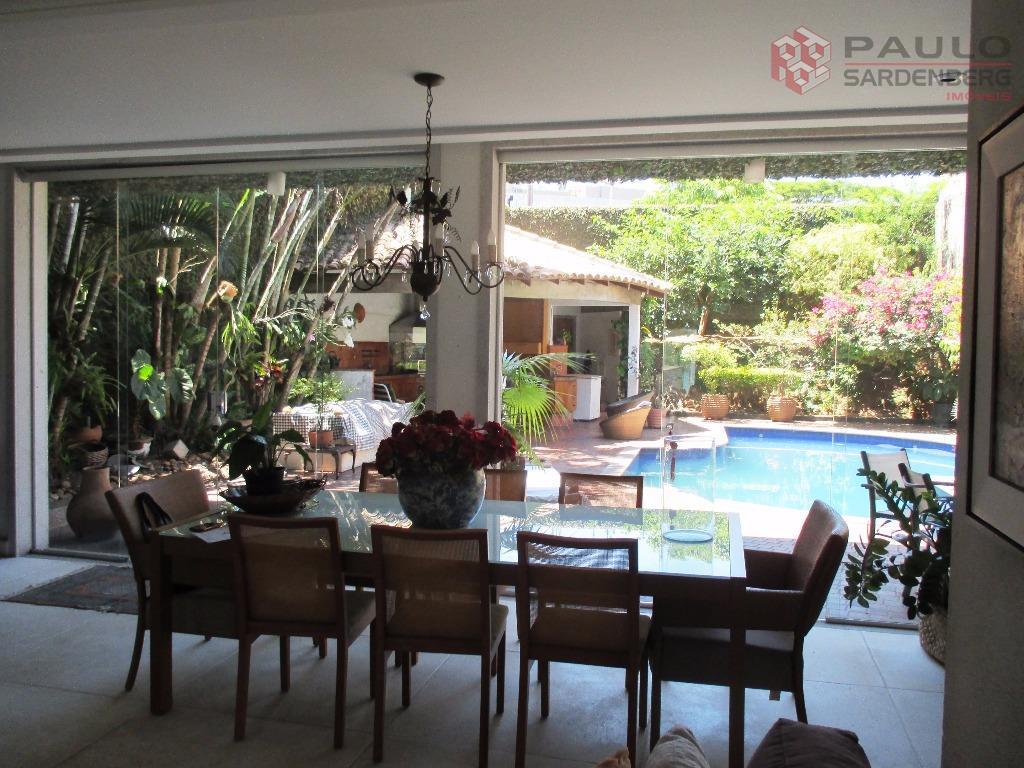 Confortável mansão à venda, Ilha do Boi, Vitória.
