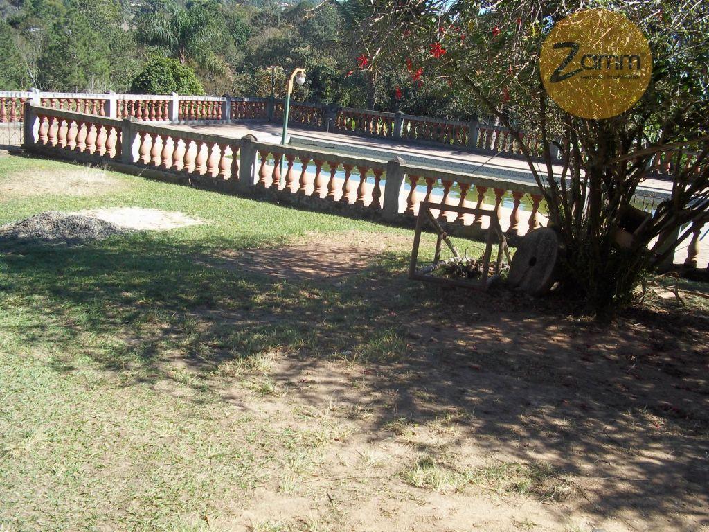 Sítio de 8 dormitórios em Das Posses, Serra Negra - SP