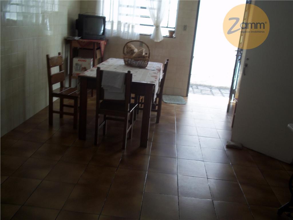 Casa de 3 dormitórios em Centro, Amparo - SP