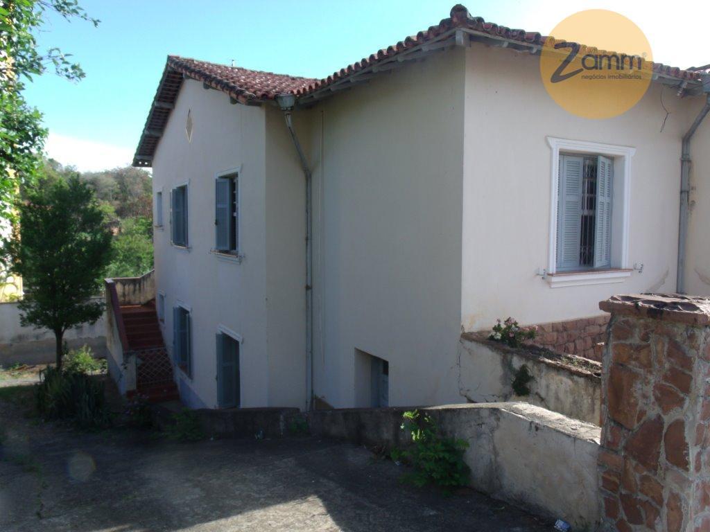 Casa de 8 dormitórios em Centro, Amparo - SP
