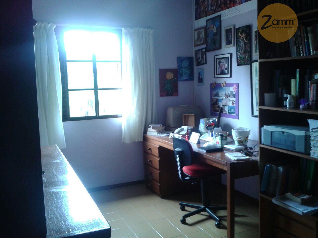 Chácara de 4 dormitórios em Estância Santa Maria, Serra Negra - SP