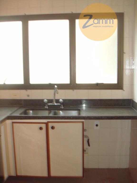 Apartamento de 3 dormitórios em Vila Embaré, Valinhos - SP