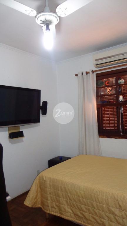Casa de 3 dormitórios em Vila Angeli, Valinhos - SP