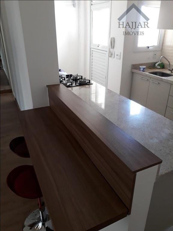 quarto e sala, cozinha/bar, ar condicionado em todos ambientes, sacada, area de serviço, todo mobiliado, muito...