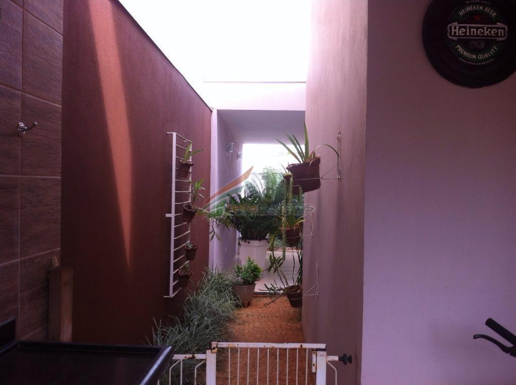 casa com 3 suítes, sala de tv, sala de jantar, lavabo, cozinha gourmet, lavanderia, varanda gourmet...