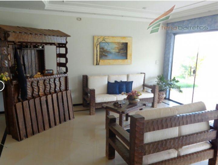sobrado em barretos-sp. piso térreo: hall de entrada; sala com dois ambientes: estar e jantar; sala...
