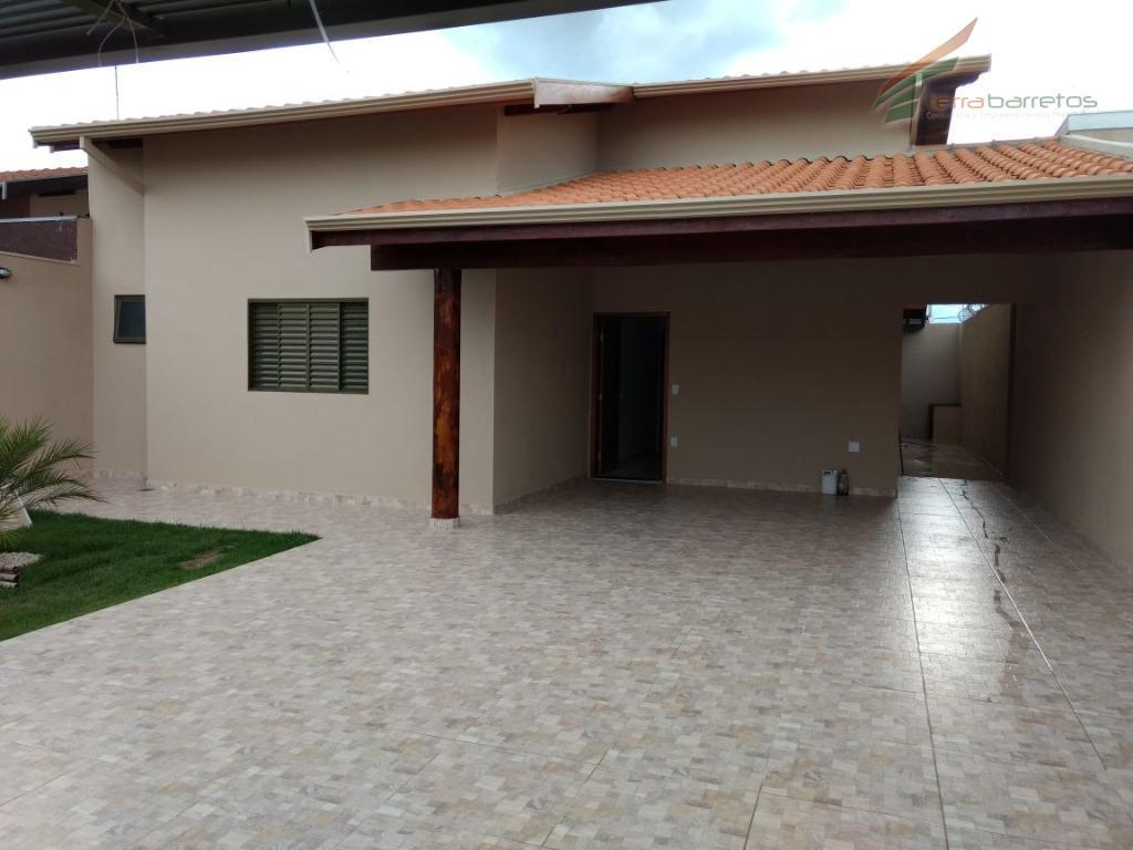 Casa residencial à venda, Residencial Jockey Club, Barretos.