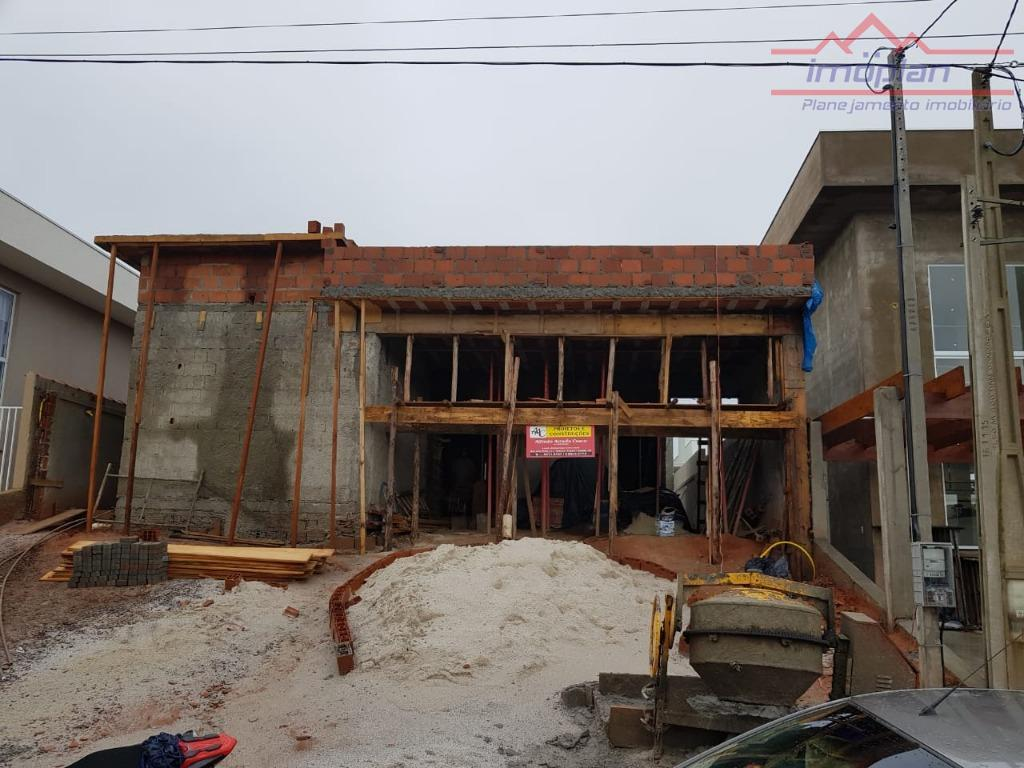 linda casa térrea no condomínio terras de atibaia.são 3 dormitórios, sendo 1 suíte, sala para 2...