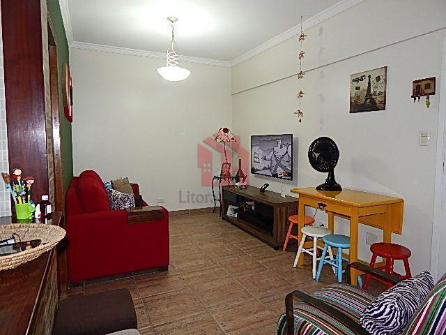 Apartamento residencial à venda, Centro, São Vicente - AP0621.