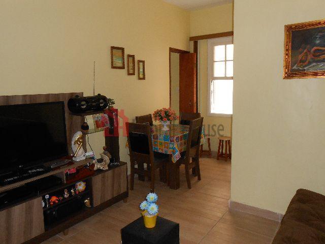 Apartamento residencial à venda, Centro, São Vicente - AP0946.