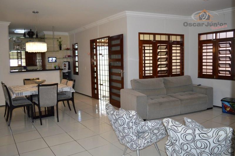 Luxo Conforto e Qualidade Em Um Só Lugar, 3 Quartos ( 2 Suítes), Móveis Projetados no bairro Cajazeiras, Fortaleza.