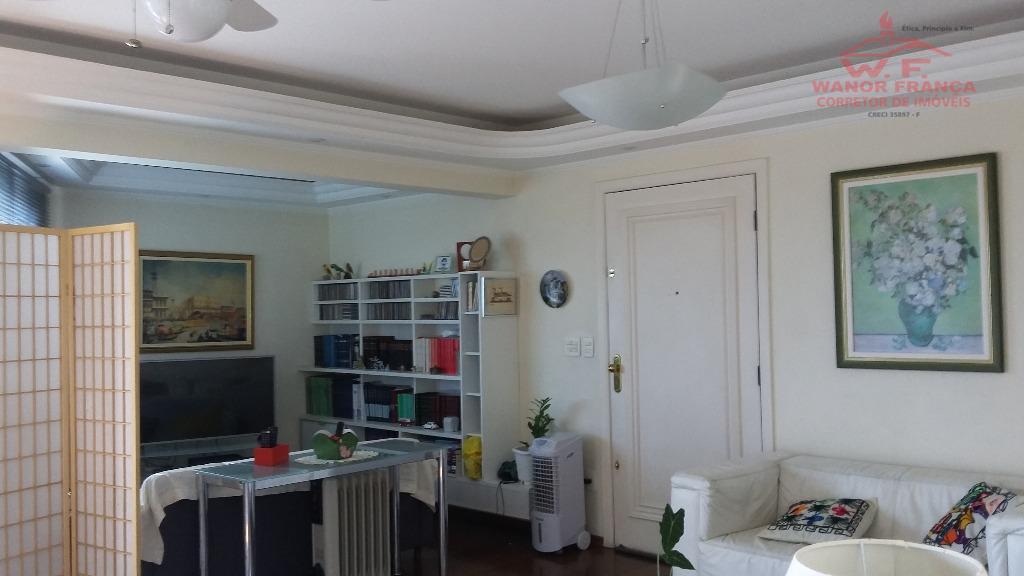 Selecione residencial à venda, Centro, Guaratinguetá.