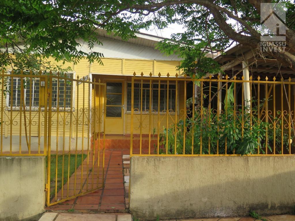 Casa com 3 dormitórios à venda por R$ 320.000