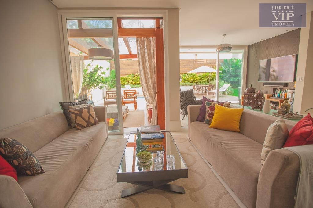 maravilhosa mansão em condomínio fechado área privilegiada em jurerê internacional! fino acabamento, sendo 4 dormitórios sendo...