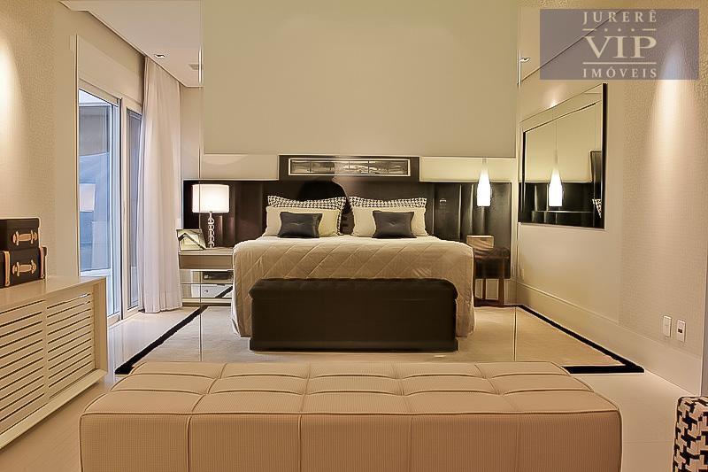 o máximo em conforto! magnifica casa com 600m² de área útil em ótima localização, 4 dormitórios...