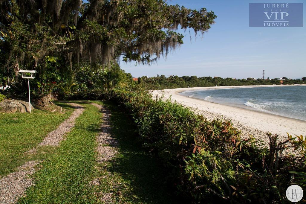 imóvel espetacular frente mar , no pontal de jurerê, balneário daniela. excelente localização, pé na areia,...