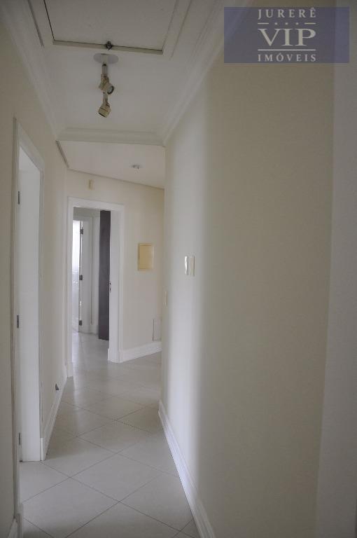 mansão em jurerê internacional!!! casa com aquecimento solar, armários embutidos, churrasqueira closet. dependência de empregada ,...