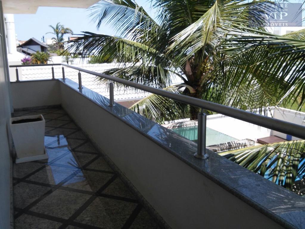 ótima casa a 200m do mar em jurerê internacional, ideal para as ferias de toda a...