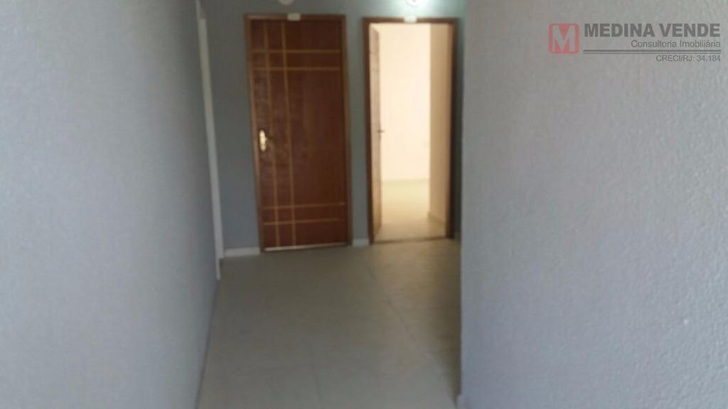 ótima casa no boa vista com sala, 2 quartos, cozinha, banheiro, área de serviço e garagem....