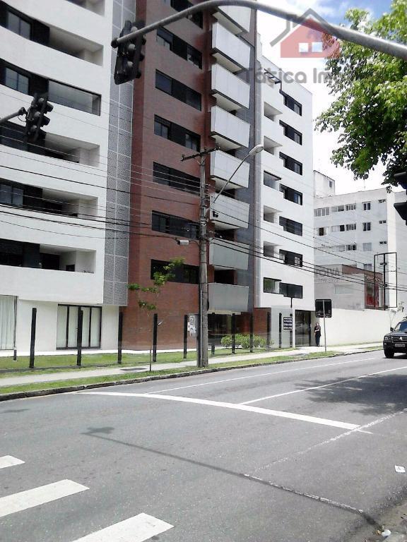 Apartamento residencial à venda, Centro, Curitiba - AP0088.