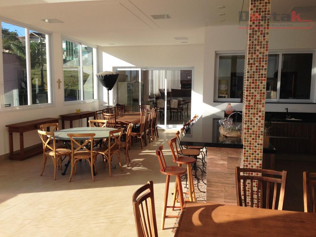 Maravilhoso Sobrado, 4 suites, Swiss Park, SBC.