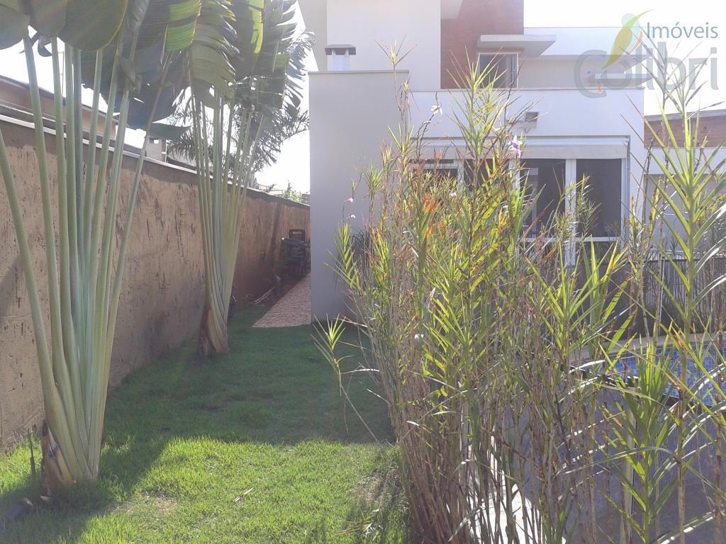 belíssima casa assobradada em condomínio!!!terreno de ilha e face sombra,projeto arquitetônico diferenciado,cômodos amplos e excelente acabamento,possui...