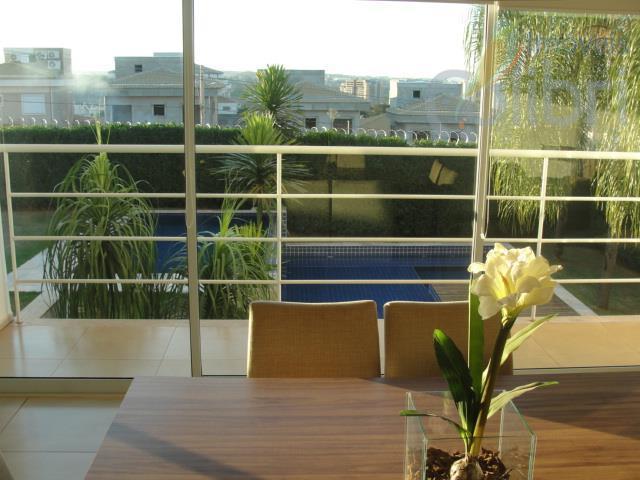 belíssima casa na parte alta do royal park,projeto moderno com 3 pavimentos e acabamento diferenciado;03 salas,...