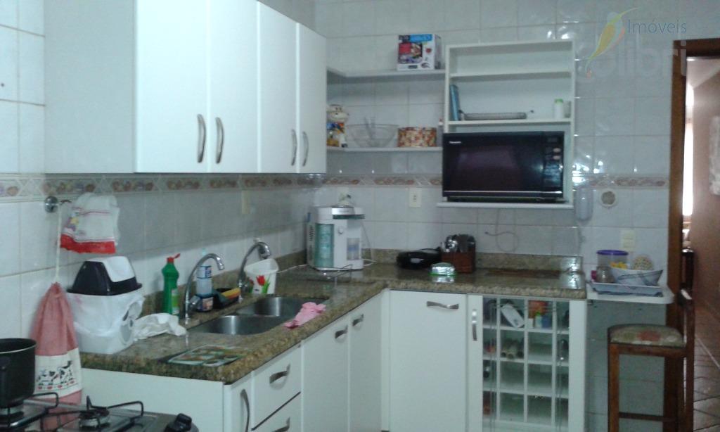 lindo apartamento, face sombra, andar alto,sala com sacada,3 dormitórios sendo 1 suíte,completo em armários, ar condicionados,...