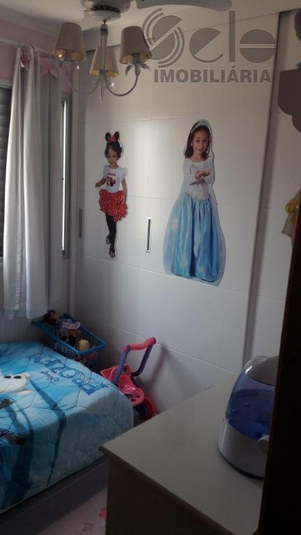 lindo apartamento com 2 dormitórios, sala 2 ambientes, rico em em armários, todo decorado, fino acabamento,...