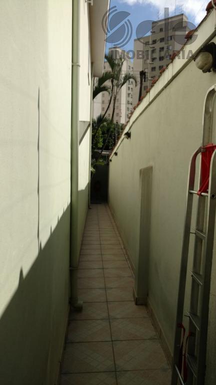 lindo sobrado totalmente isolado com 3 dormitórios, suíte, sala 2 ambientes, sala de tv, cozinha toda...
