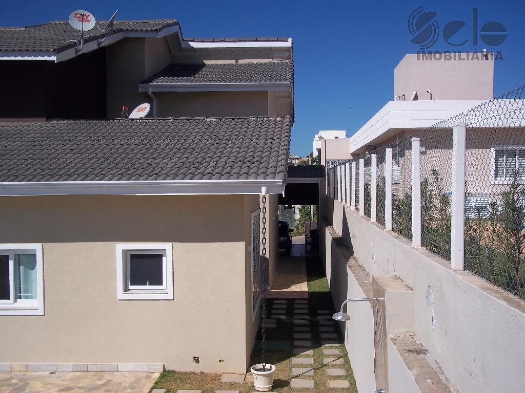 linda casa em condomínio fechado com segurança 24 horas, com 3 suítes (master com hidro dupla)...